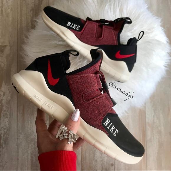 157012ef0a735 NWT Nike Free RN cmtr varsity Rare